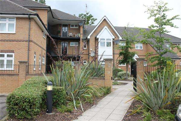 1 Bedroom Apartment Flat for sale in Gate Lodge, Parnell Way, Harrow