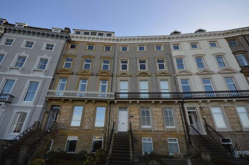 4 Bedrooms Property for sale in Royal Crescent, Whitby