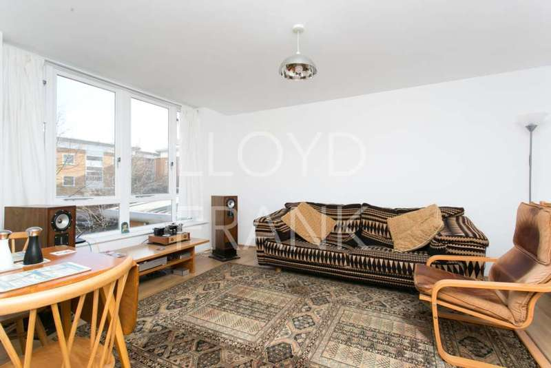 2 Bedrooms Apartment Flat for sale in Felixstowe Court, North Woolwich, London, E16
