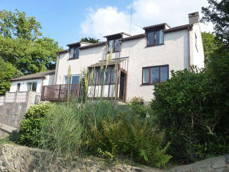 5 Bedrooms Detached House for sale in Penmaen Park, Llanfairfechan