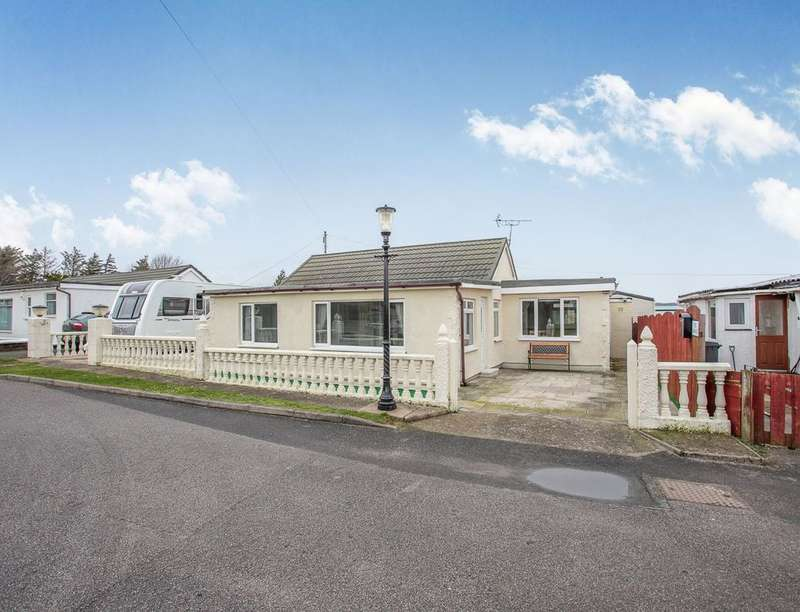 3 Bedrooms Detached Bungalow for sale in The Barnacle, Southerness, Dumfries, DG2