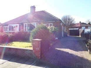 2 Bedrooms Bungalow for sale in Hollinswood Road, The Haulgh, Bolton, Greater Manchester, BL2