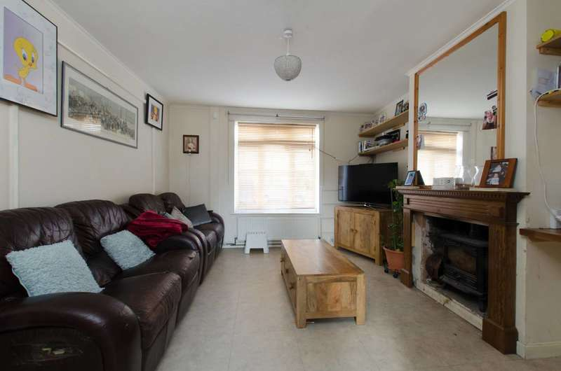 3 Bedrooms Terraced House for sale in Alexandra Road, Mitcham, CR4