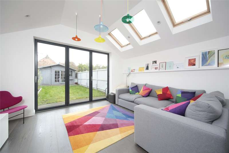 5 Bedrooms Terraced House for sale in Chestnut Grove, Balham, London, SW12