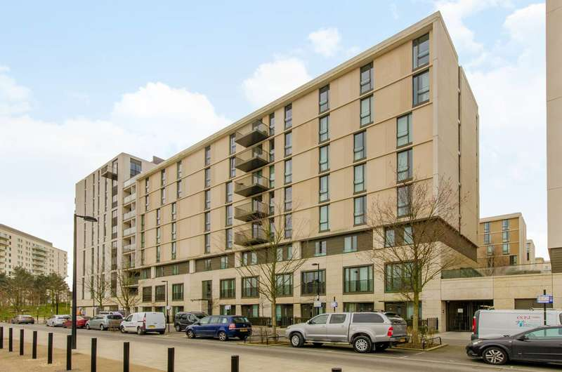 3 Bedrooms Flat for sale in Aurelia House, Stratford, E20