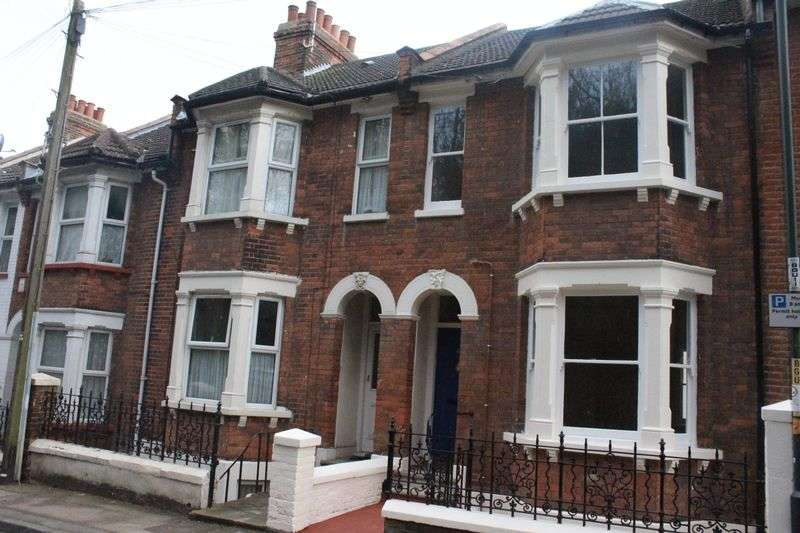 1 Bedroom Flat for sale in Boundary Road, Chatham