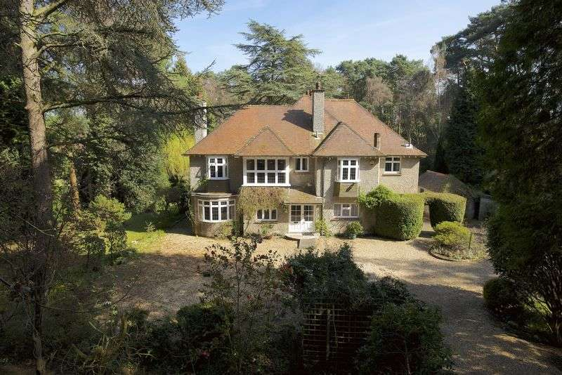 5 Bedrooms Detached House for sale in Woodland Grange, Beaufoys Avenue, Ferndown