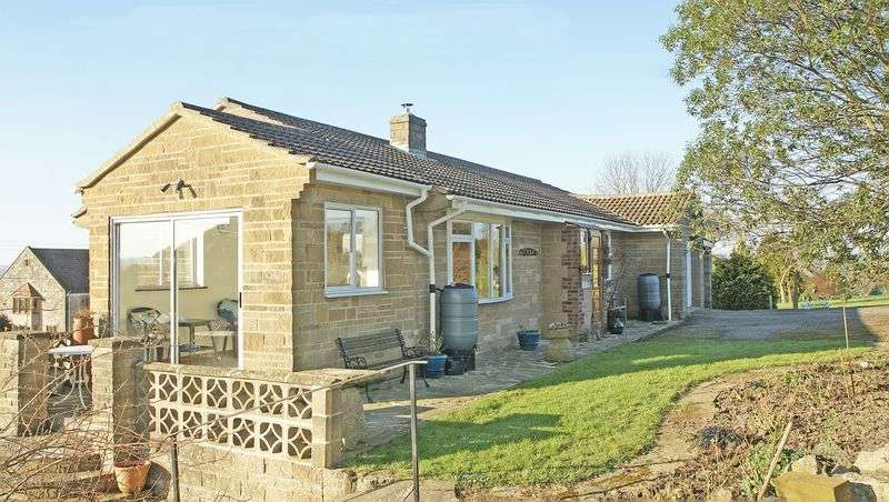 3 Bedrooms Detached House for sale in Adber, Dorset