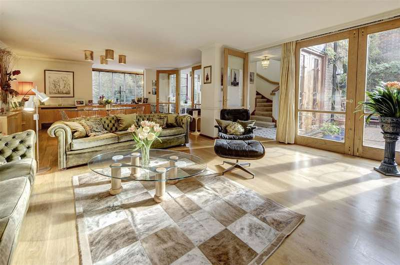 6 Bedrooms House for sale in Birchwood Drive, Hampstead, NW3