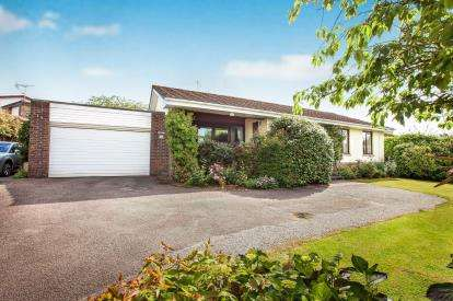 4 Bedrooms Detached House for sale in Bodmin, Cornwall