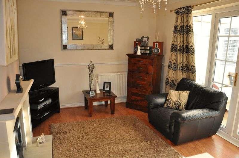 5 Bedrooms Detached House for sale in The Hamlet, Heath Charnock