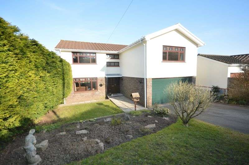 5 Bedrooms Detached House for sale in 'Hillanvale' 11 Bowmans Way, Cowbridge, Vale of Glamorgan, CF71 7AW