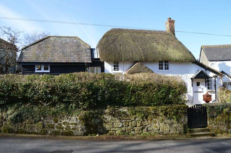 2 Bedrooms Detached House for sale in SHAFTESBURY