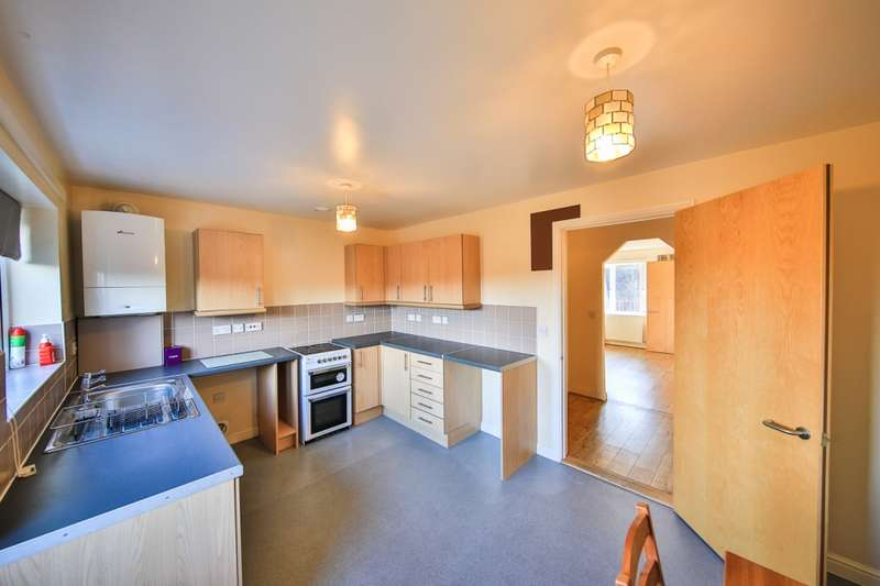2 Bedrooms Semi Detached House for sale in Mountain Road, Ebbw vale, Blaenau Gwent, NP23
