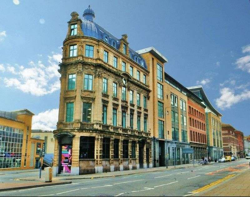 3 Bedrooms Flat for sale in Shankly Apart-Hotel, Luxury Hotel Rooms & Apartment Suites