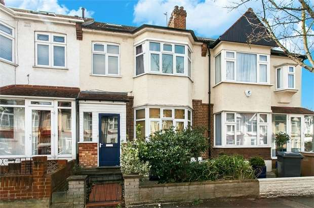 3 Bedrooms Terraced House for sale in Wickham Road, Highams Park, London