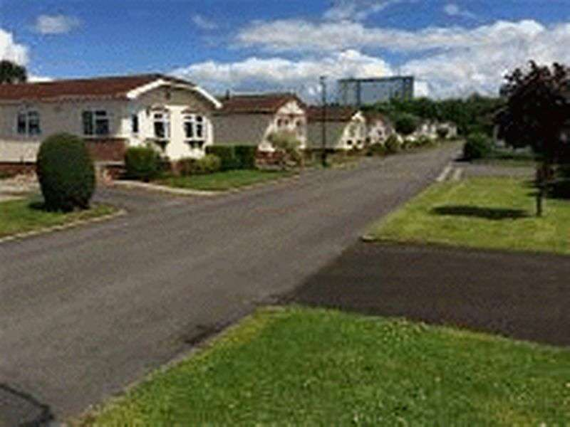 2 Bedrooms Property for sale in Ashwood Park, Northwich