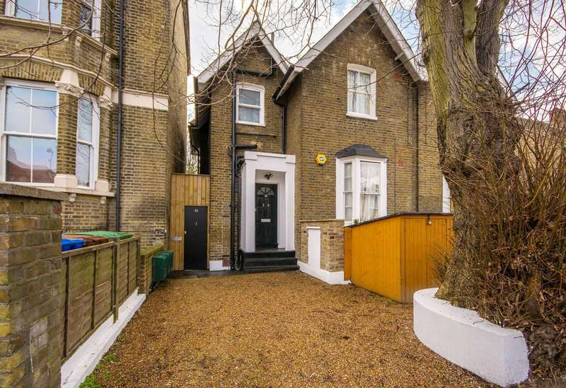 2 Bedrooms Flat for sale in Bird in Bush Road, Peckham, SE15