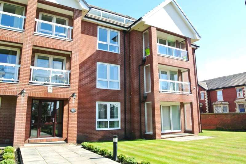 2 Bedrooms Apartment Flat for sale in Herne Hill Lodge, Lytham Road, Blackpool, FY4 1RB