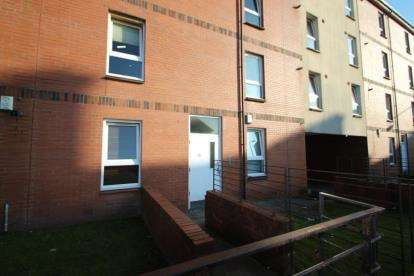 1 Bedroom Flat for sale in Maukinfauld Road, Tollcross, Lanarkshire
