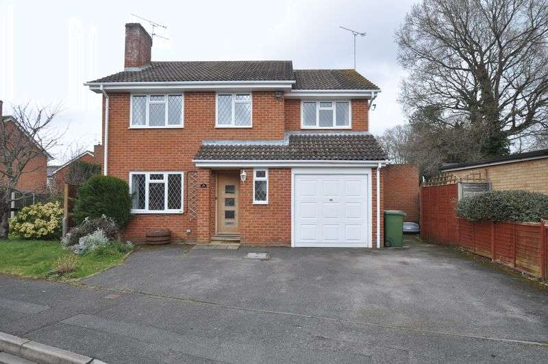 4 Bedrooms Detached House for sale in Inverness Way, Sandhurst