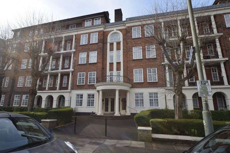 3 Bedrooms Flat for sale in North End Road, London, NW11