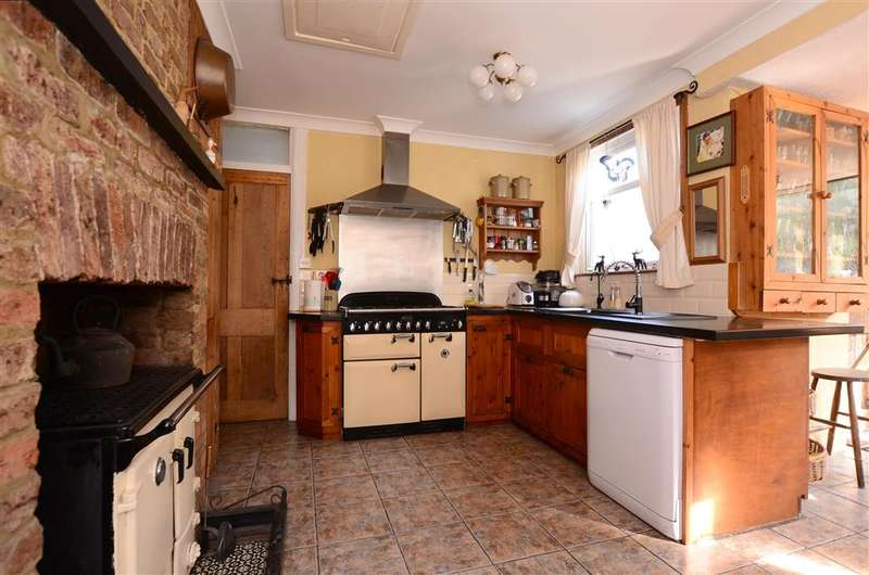 3 Bedrooms Bungalow for sale in Braypool Lane, Patcham, Brighton, East Sussex