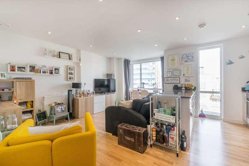 1 Bedroom Flat for sale in Lighterage Court, Brentford, TW8
