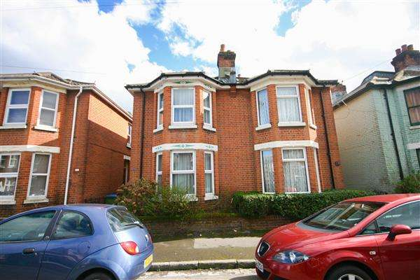 2 Bedrooms Semi Detached House for sale in Harold Road, Southampton