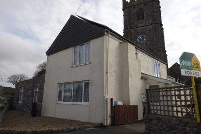 4 Bedrooms House for sale in Helston, Cornwall