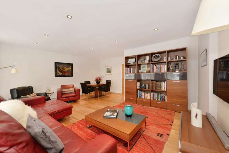 3 Bedrooms House for sale in Gloucester Gate Mews, London NW1