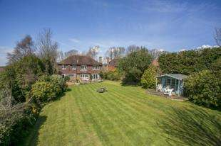 4 Bedrooms Detached House for sale in Station Road, Crowhurst, Battle, East Sussex
