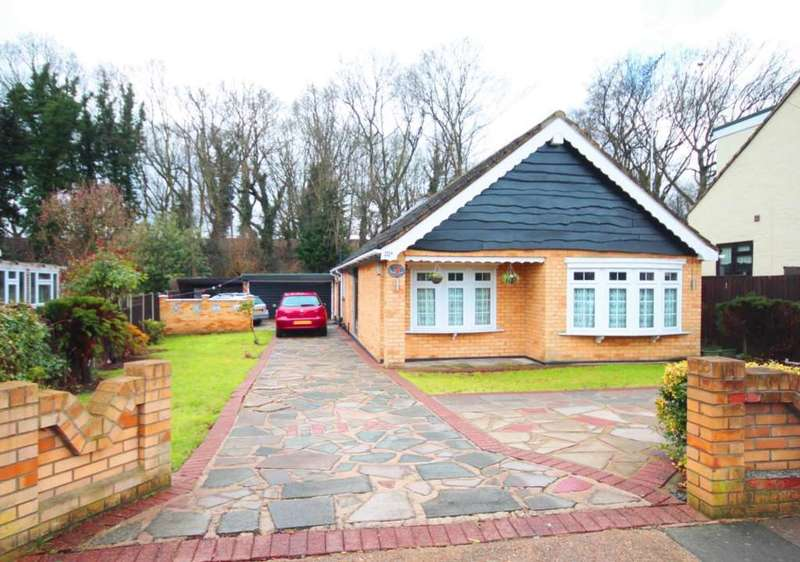 3 Bedrooms House for sale in Hillview Avenue, Hornchurch