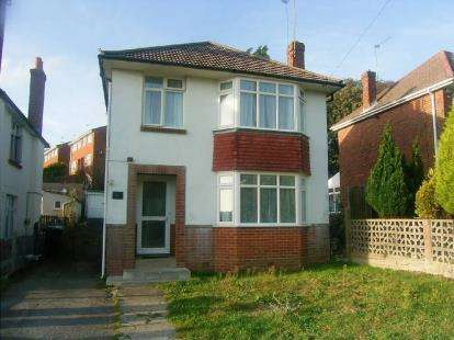 3 Bedrooms Detached House for sale in Parkstone, Poole, Dorset