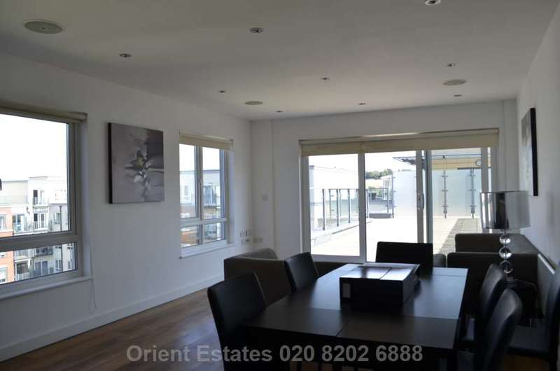 3 Bedrooms Penthouse Flat for sale in East Drive, Colindale