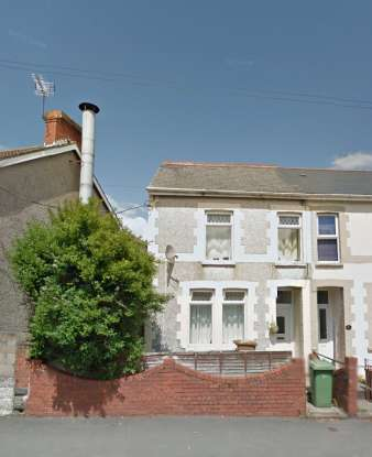 2 Bedrooms Semi Detached House for sale in Mill Road, Caerphilly, Mid Glamorgan, CF83 3FH