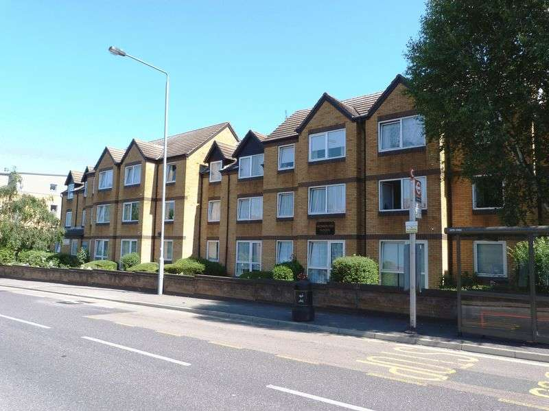 1 Bedroom Retirement Property for sale in Homebush House, Chingford, E4 7PW