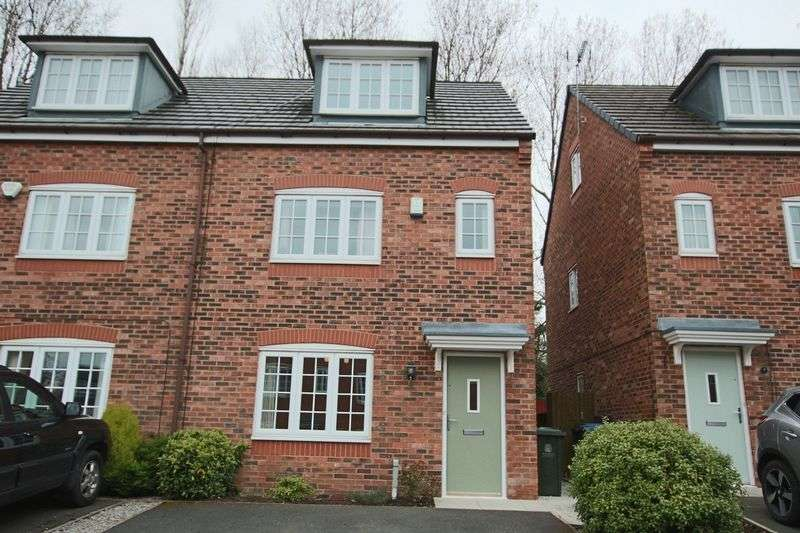 4 Bedrooms Semi Detached House for sale in George Street, Hurstead, Rochdale OL16 2RR