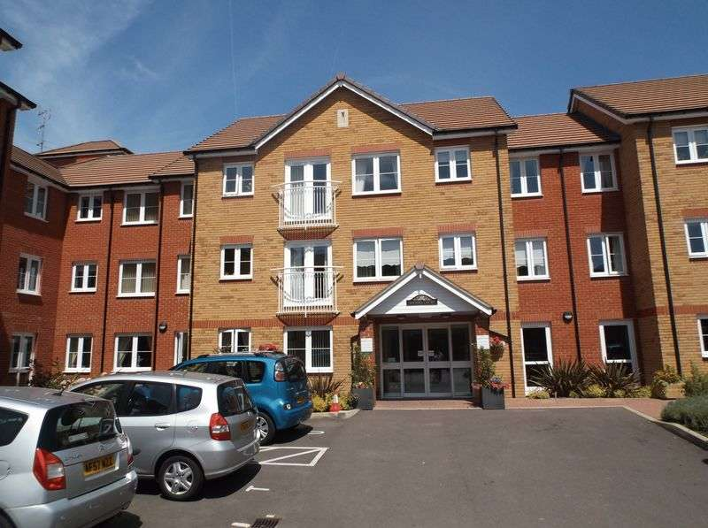 1 Bedroom Flat for sale in Goodes Court, Royston: NO CHAIN one bed first floor retirement apartment