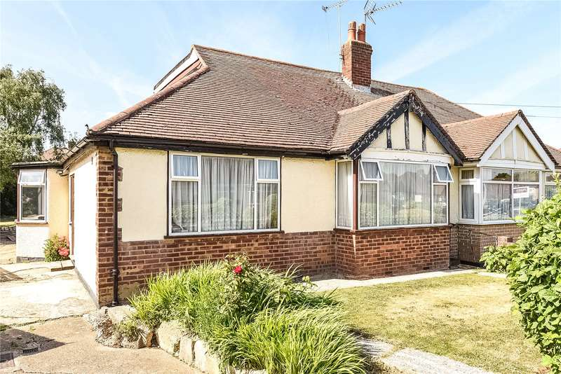 3 Bedrooms Semi Detached Bungalow for sale in Roxburn Way, Ruislip, Middlesex, HA4