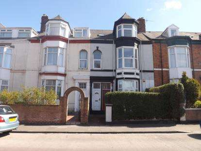 3 Bedrooms Maisonette Flat for sale in Beach Road, South Shields, Tyne and Wear, NE33