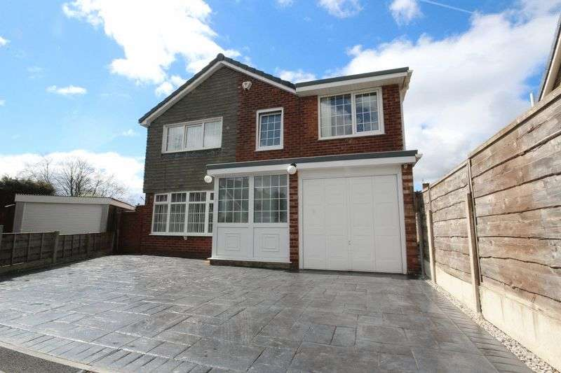 4 Bedrooms Property for sale in Addison Drive, Middleton, Manchester M24 2PL