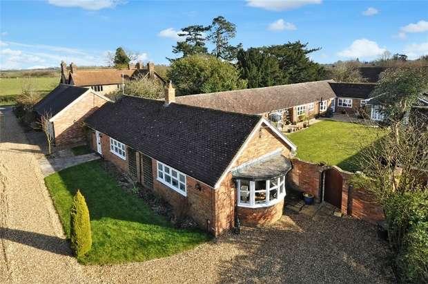 5 Bedrooms Mews House for sale in Soulbury Road, Burcott, Wing, Buckinghamshire
