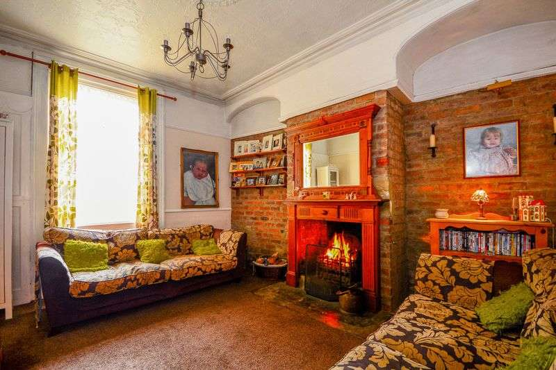 4 Bedrooms House for sale in Rooley Lane, Bradford