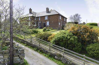 5 Bedrooms House for sale in High Street, Castleton, Whitby, North Yorkshire