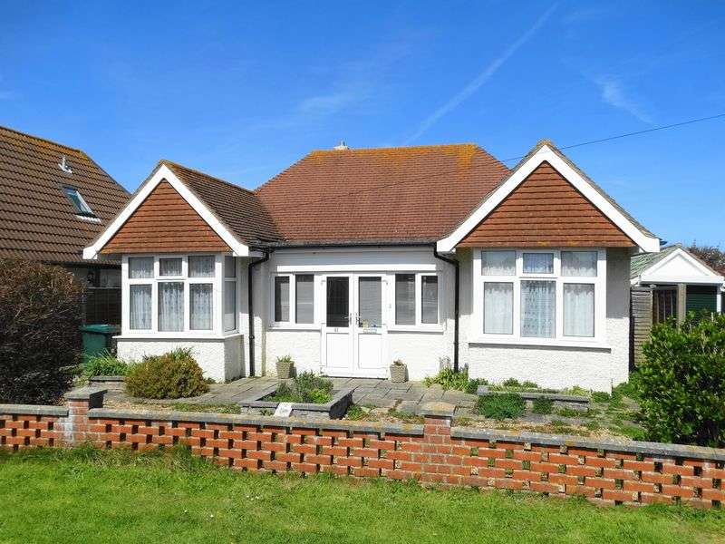 3 Bedrooms Detached Bungalow for sale in Seal Road, Selsey