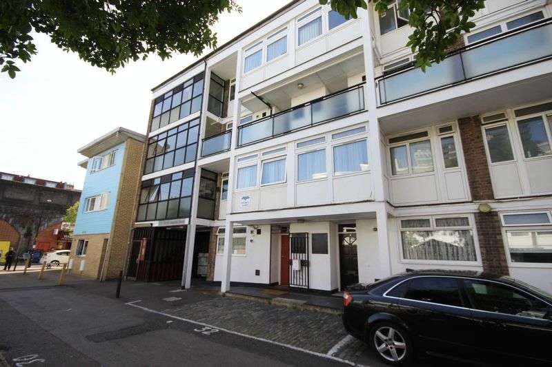 5 Bedrooms Flat for sale in Chapman Street, London