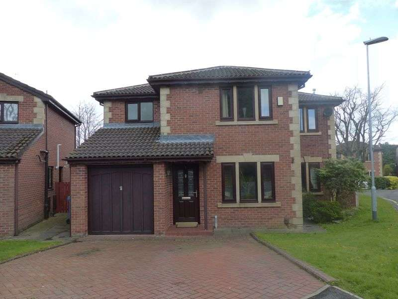 4 Bedrooms Detached House for sale in Millbrae Gardens, High Crompton, Shaw