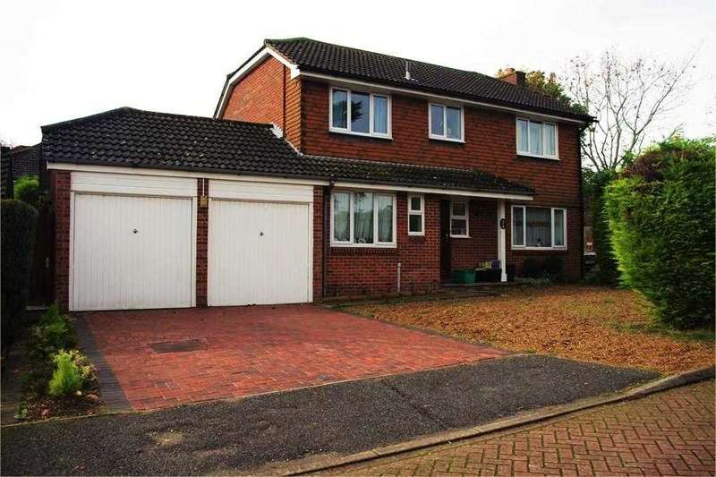 4 Bedrooms Detached House for sale in Harlands Grove, Farnborough, Orpington