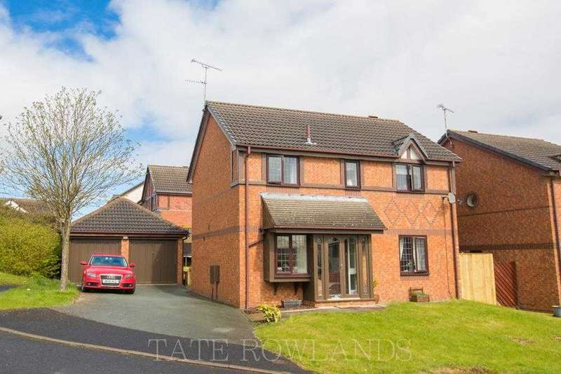4 Bedrooms Detached House for sale in Willow Drive, Flint